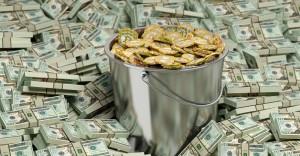 bticoin-and-dollar-1000x520